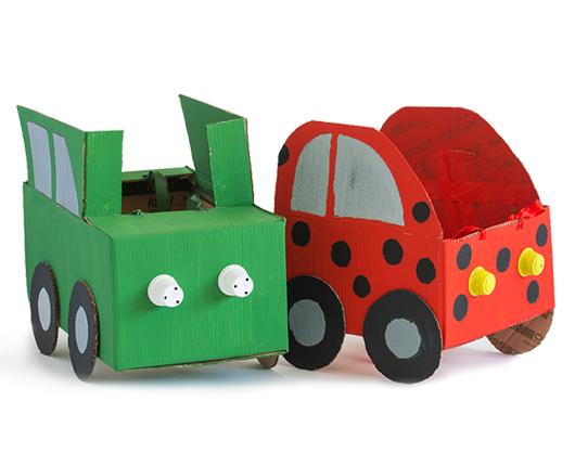 Avto iz kartona